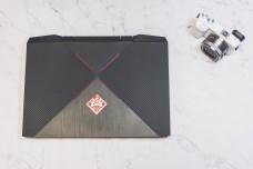 笔记本电脑数码微单相机摆拍