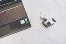 笔记本电脑数码相机文艺风格