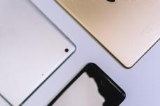 商务风格桌面电子产品摆拍