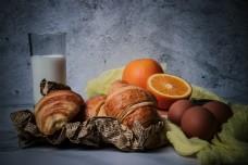 水果面包鸡蛋早餐食物