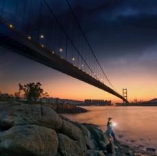 傍晚的长江大桥
