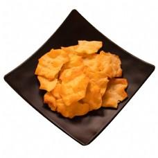 一盘零食薯片
