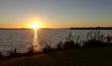 新西兰海滨夕阳风光