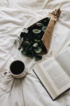 早晨咖啡与书