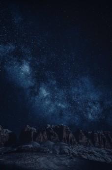 夜晚星空岩石