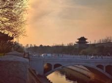 夕阳下的城墙