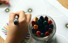 儿童节孩子手绘