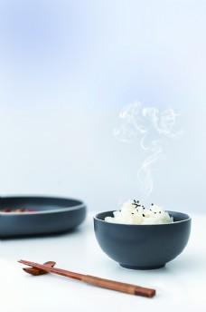 热气腾腾的米饭