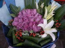 百合玫瑰花束