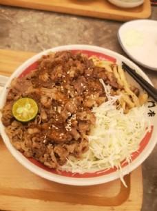 日式牛肉盖饭