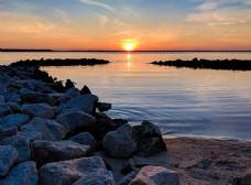 夕阳下的沙滩