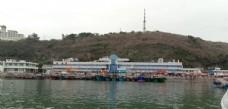 大海蓝天渔船