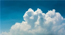 静谧清爽蓝天白云