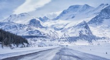 壮观巍峨雪山