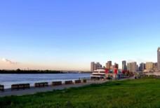哈尔滨松花江畔风光