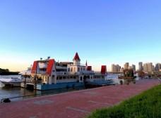 哈尔滨松花江畔风景