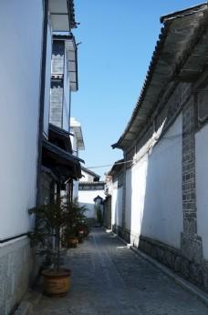 云南大理喜洲古镇的小巷