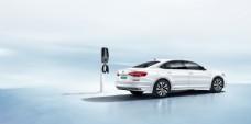 帕萨特新能源车宣传图