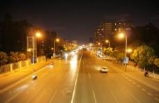 夜晚的马路