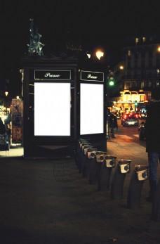 夜晚广告牌