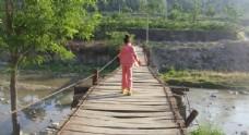 铁索桥吊桥