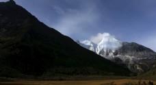 稻城亚丁三神山风景