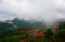 雨后十八罗汉山