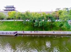 护城河美景