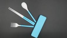 蓝色塑料餐具套装