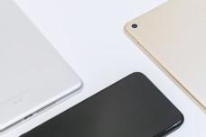 手机平板创意拍摄商务风产品风格