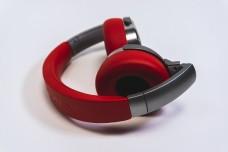 音乐耳机红色耳机动感时尚耳机