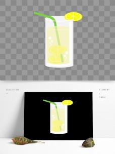 玻璃杯盛放的柠檬水